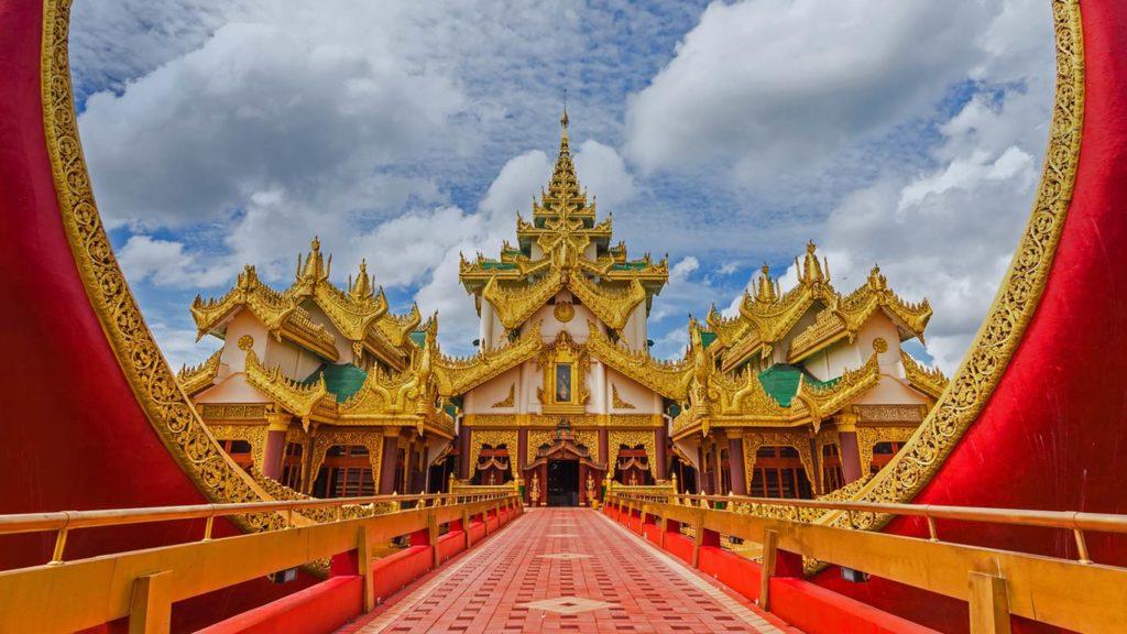 Karaweik Palace in Yangon